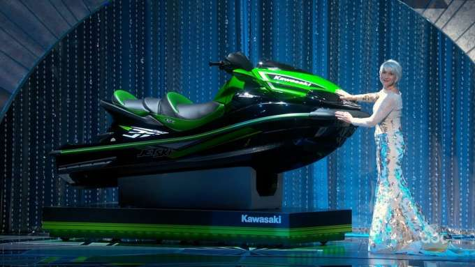 Jimmy Kimmel Gives Jet Ski to Oscar Winner with Shortest Speech